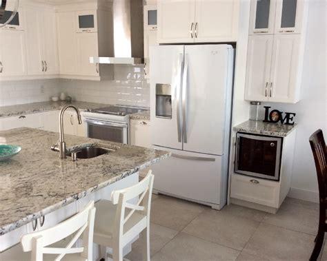 granit blanc cuisine comptoir de cuisine en granit blanc de granit rb design