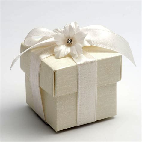 Wedding Favors Boxes by Ivory Ardesia Favour Box Uk Wedding Favours