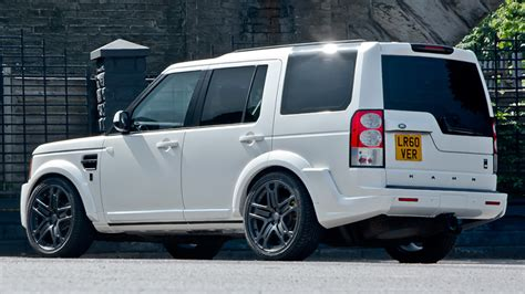 custom land rover discovery a kahn design refines the land rover discovery