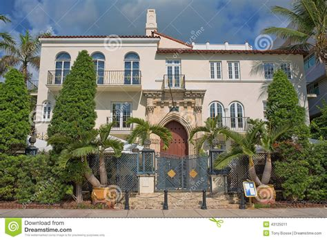 Luxurious Mansion Editorial Photo Image 43125011 Versace House South Miami