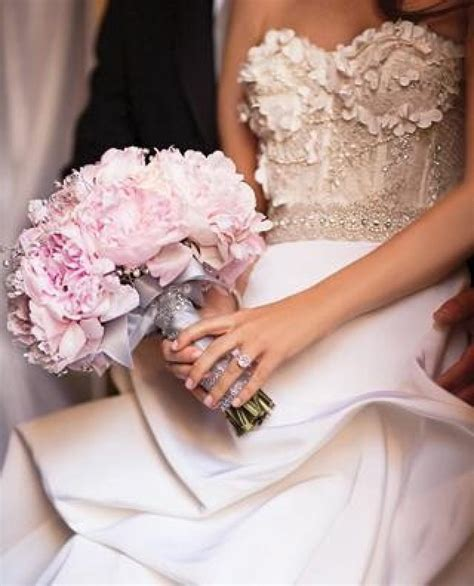 Wedding Bouquet Etiquette by Bouquet Flower Ideas Etiquette 2395665 Weddbook