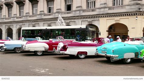 Car Wallpaper Hd Codec by Taxis Cabs 1950s Cars For Tourists In Cuba