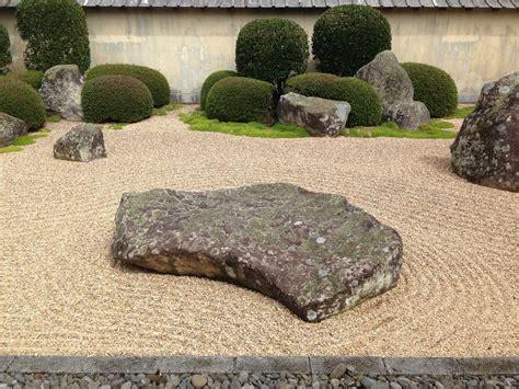 building a zen garden how to make a zen garden