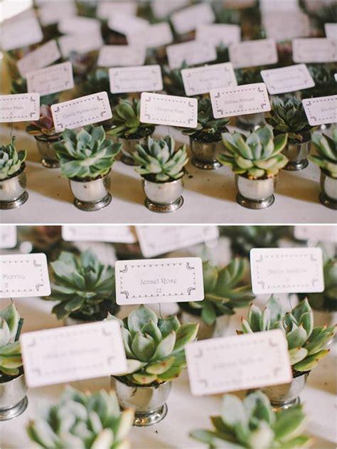 creative wedding escort cards ideas deer pearl flowers
