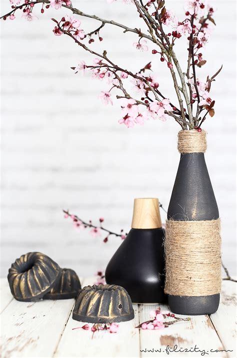 aus flaschen vasen machen edle vasen aus flaschen und jutegarn filizity