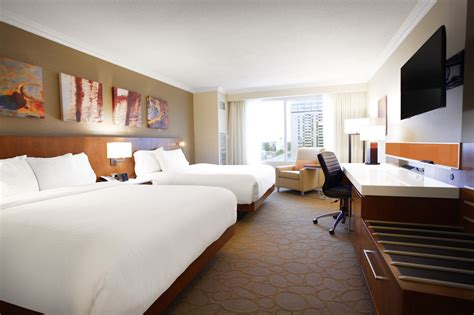 delta rooms delta hotels by marriott armouries in hotel rates reviews on orbitz