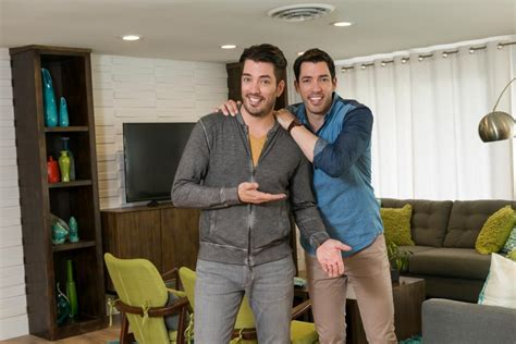 brother vs brother on hgtv hgtv stunning curb appeal makeovers from drew and jonathan