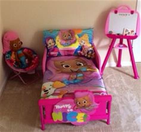 bubble guppies toddler bed set 1000 images about aria on pinterest bubble guppies