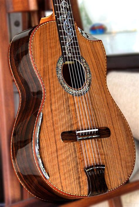 Handmade Classical Guitar - concerts guitar and tops on
