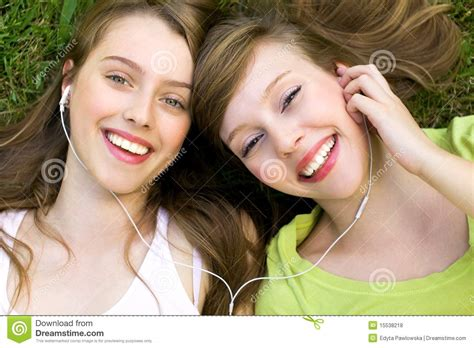 that girl mp girls with mp3 player royalty free stock photos image