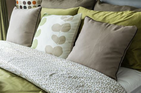 work in bed pillow 50 decorative king and queen bed pillow arrangements