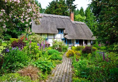 The Cottage Gardener by How To Design An Fashioned Cottage Garden Gardener S