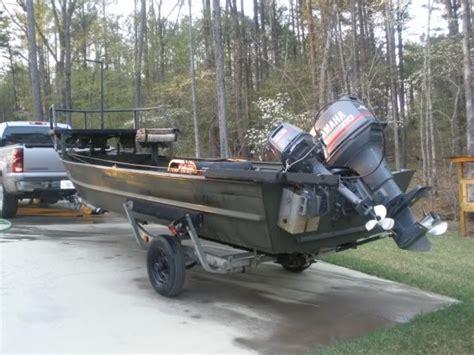 kicker boat bowfishing boat nice kicker motor boat the outdoors trader
