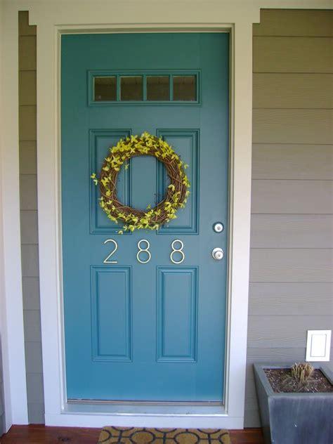 shade  bluestill   pick  door
