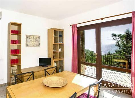castiglione della pescaia appartamenti sul mare villa sul mare suddivisa in appartamenti a roccamare