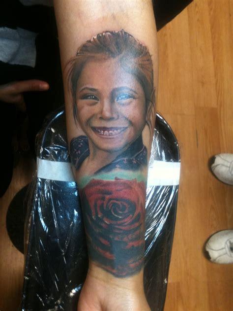 minimalist tattoo artist houston portrait by valentin colunga houston tx tattoos
