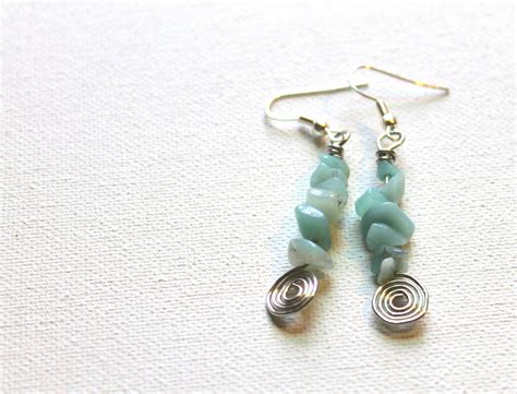 9 Ways To Use The Dangle Earring Tutorial Emerging