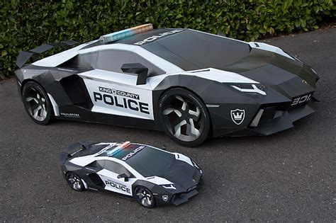 Lamborghini Papercraft - papercraft lamborghini aventador the awesomer