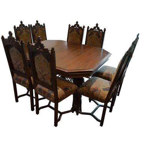 Antique Style Dining Table And Chairs Antique Style Dining Table With Eight Chairs With Three Leafs For Sale At 1stdibs