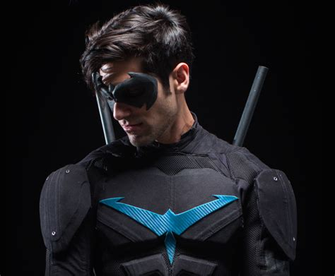 nightwing hairstyle sneak peek dc s quot nightwing quot in action