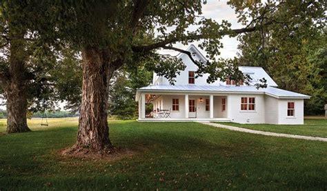 farmhouse backyard 334 best images about dream farm house on pinterest
