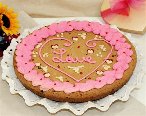 valentines cookie cakes valentines day cookie cake cakes cake ideas by