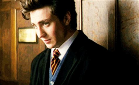 aaron taylor johnson gif hunt lets not fall in love