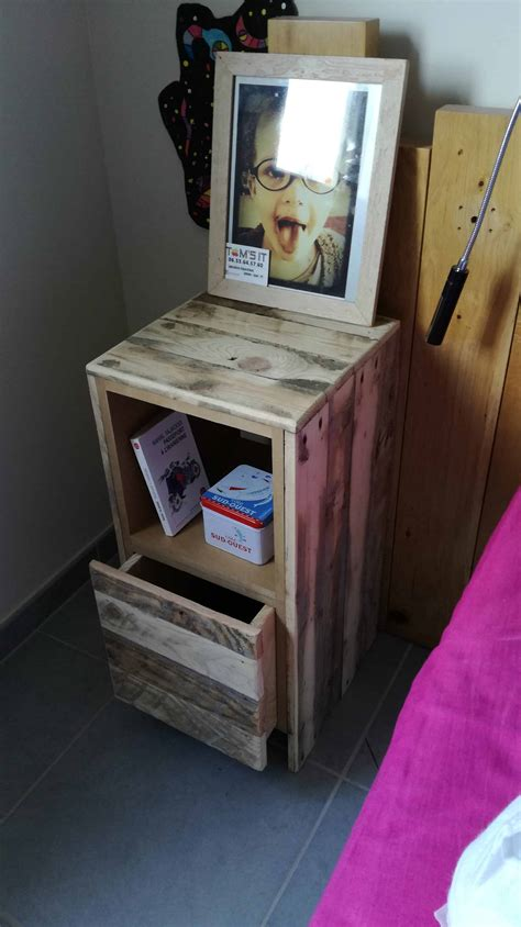 Table De Nuit Wengé by Table De Nuit Pallet Bedside Table 1001 Pallets