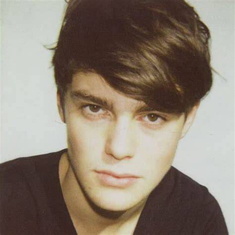 guys hairstyles with fringe 11 latest men s haircut and style trends for 2015 shilpa