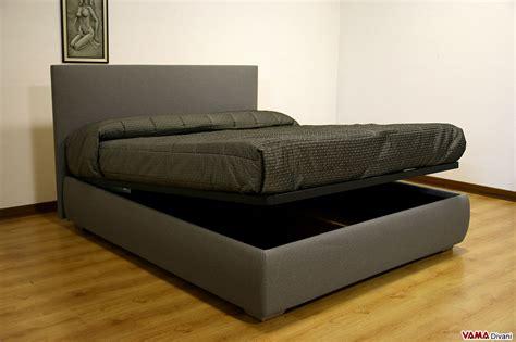 letto con testata contenitore letto imbottito in tessuto con contenitore testata semplice