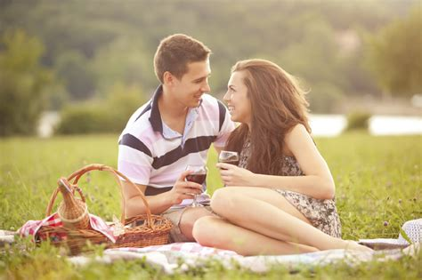 Picnic Date by Top 4 Summer Date Ideas