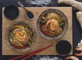 cucinare gli spaghetti di soia come preparare gli spaghetti di soia con gamberi guide