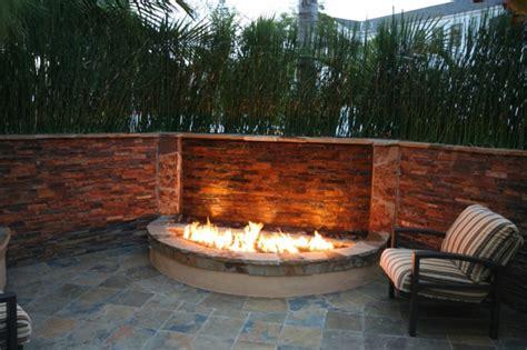 feuerstelle für balkon terrasse bepflanzen dekor
