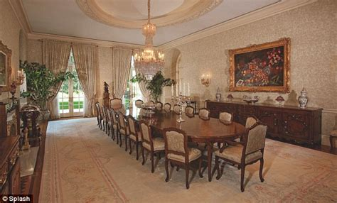 Spell Dining Room by Spelling S 150m Mansion Finally Sells To Formula One Heiress Ecclestone Daily