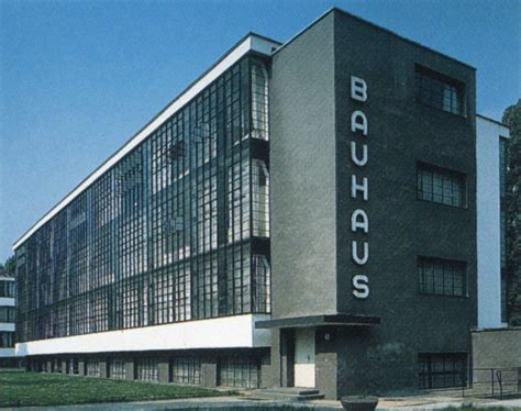 Das Bauhaus Walter Gropius by Uměleckou školu Bauhaus Stvořil Architekt Walter Gropius