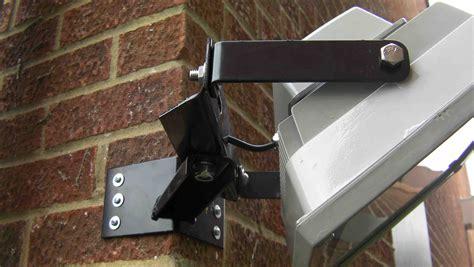 heavy duty corner mounted floodlight bracket for 30 50