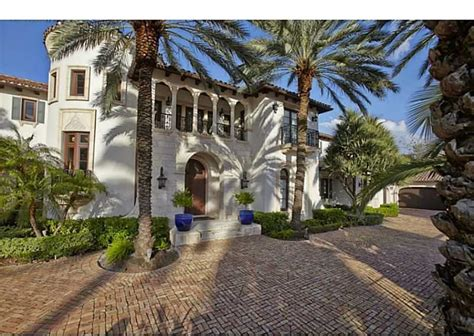 scottie pippen house scottie pippen relists florida home