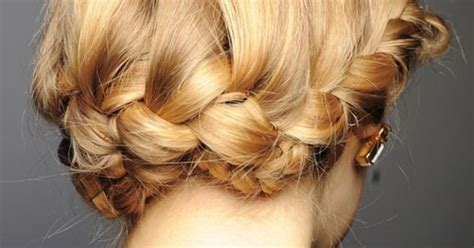 pictures of buns at the nape of the neck low braid at the nape of the neck hair do s pinterest