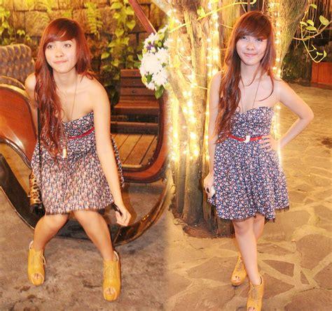 Raxzel Galactic Maroon Slingbag ida anduyan forever 21 tooth necklace forever 21 floral dress forever 21 belt