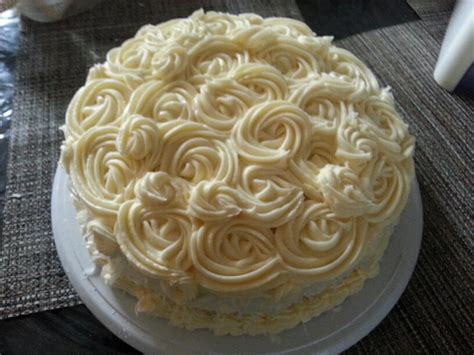 Buttercream Decorated Cakes by You To See Buttercream Rossetes On Craftsy