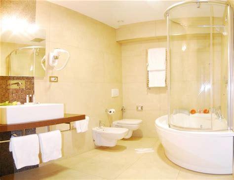 bagni con vasca idromassaggio camere hotel caserta albergo a caserta hotel jolly caserta