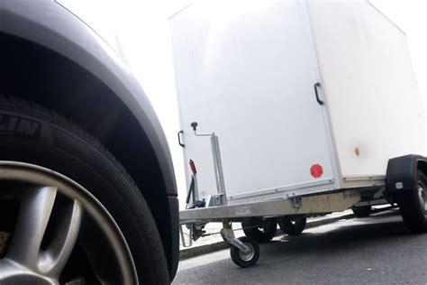 Versicherung Auto Fahranfänger Preis pkw anh 228 nger faq die 5 h 228 ufigsten fragen von