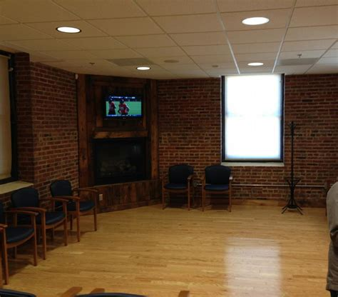 o2 priority waiting room pictures for priority care clinics in baltimore md 21224
