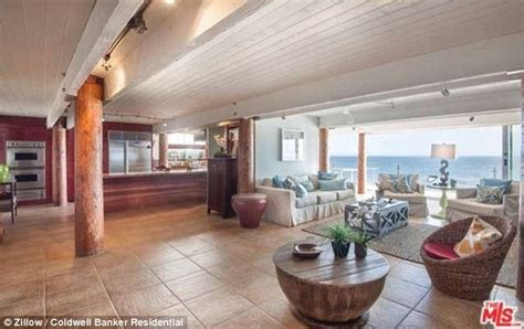 Tori Spelling Bedroom tori spelling and dean mcdermott move into 20k a month
