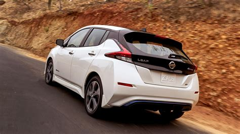 new nissan leaf 2018 nissan leaf packs more tech more range and a simple