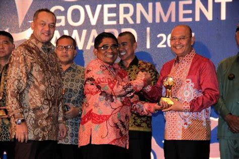 Majalah Sindo wali kota medan terima government award dari majalah sindo weekly okezone news