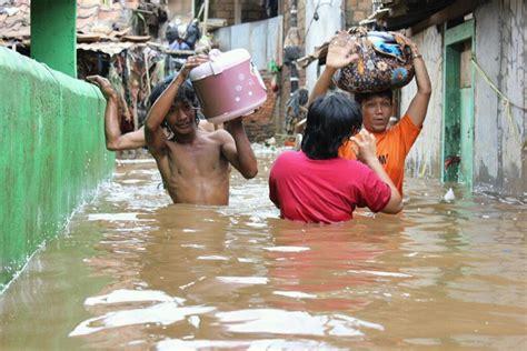 koleksi gambar banjir  jakarta indonesia terbaru hari