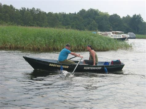 de roeiboot roeiboot kano roeiboot loosdrecht botentehuur nl