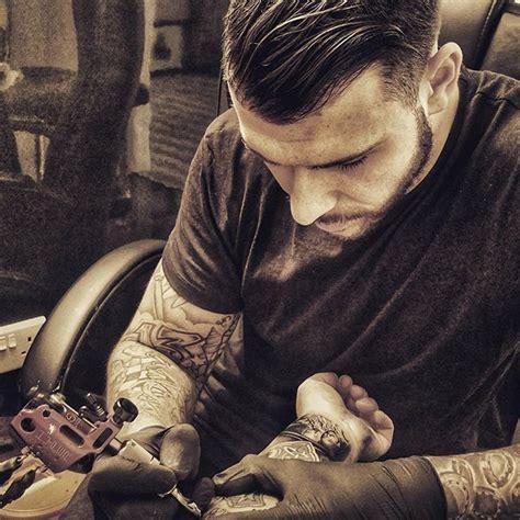 tattoo fixers man 85 best tattoo fixers images on pinterest tattoo fixers