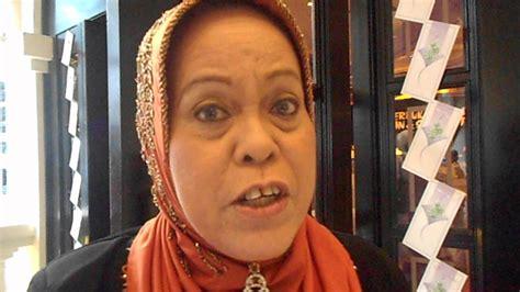 Rahim Wanita In English Dah Jarang Muncul Di Tv Rupanya Mak Jah Hidap Barah Rahim